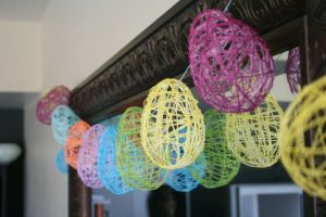 DIY Yarn Easter Egg Garland